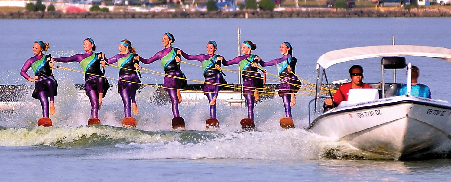 skiers slider, 7 women water skiing